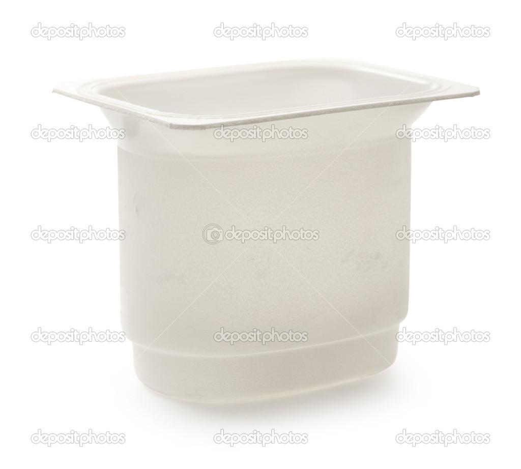 pot d 39 yaourt en plastique vide sur blanc photo 20804117. Black Bedroom Furniture Sets. Home Design Ideas
