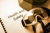 Register with goggles, earphones and helmet — Foto Stock