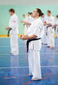 Master karate gives a lesson — Stockfoto