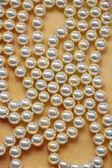 Collier de perles blanche — Photo