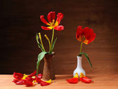 Tulips in a ceramic vase — Stock Photo