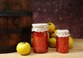 Fresh quince and jam in a jar — Stock Photo
