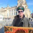Protester in front of the Bundestag — Stock Photo