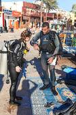 Divers are preparing — Stock Photo