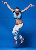 Jovem bailarina em movimento — Fotografia Stock