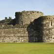 A Beaumaris Castle Lawn on Anglesey, Wales — Stock Photo