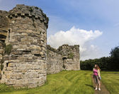A Woman Gazes at Beaumaris Castle on Anglesey — Stock Photo