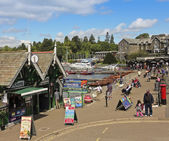 A Sunny Scene in Bowness-on-Windermere — Stock Photo