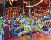 Un tir de chevaux sur un carrousel — Photo