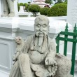 Statue in Wat Arun temple in Bangkok — Stock Photo