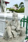 Statue in Wat Arun temple in Bangkok — Stock Photo