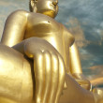 Big Golden Buddha statue in Thailand temple — Stock Photo