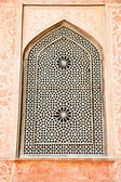 Oriental ornamented window of Ali Qapu Palace, Iran. — Stock Photo