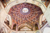 Beautiful decorated Dome of Hasht Behesht Palace , Esfahan, Iran — Stock Photo