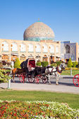 Carriage on Naqsh-i Jahan Square, Isfahan, Iran — Stock Photo