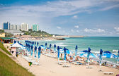 Mooie neptun strand in de zomer, roemenië. — Stockfoto