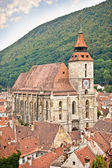 Iglesia negra de brasov, transilvania, rumania. — Foto de Stock