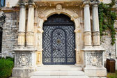 Door on Peles museum in Sinaia , Romania. — Stock Photo