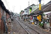 身份不明穷人生活在贫民窟,印度尼西亚. — 图库照片