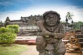 Statue de pierre dans le temple de penataran, blitar, java, indonésie — Photo