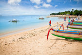 Traditional fishing boats on a beach in Nusa Dua on Bali. — Stock Photo