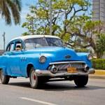 amerykańskie samochody klasyczne w Hawanie. Kuba — Zdjęcie stockowe #21300521