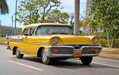 Klassische oldsmobile in havana.cuba. — Stockfoto