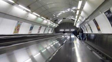Escalators underground — Stockvideo