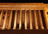 Bolsa del edificio por la noche en Roma — Foto de Stock