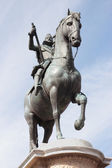 Bronze statue of King Philip III — Stock Photo