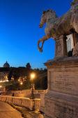 Vista notturna di roma da capitol hill — Foto Stock