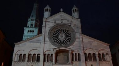 Modena Cathedral at night — Stock Video