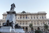Justice Palace and Cavour monument in Rome — Zdjęcie stockowe