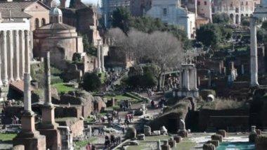 Roma, İtalya. Roma Forumu - dünyanın en ünlü yerlerinden. — Stok video