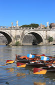Regatta con tiber river — Stock Photo