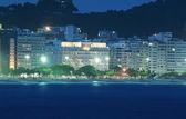Night view of Copacabana beach in Rio de Janeiro — Stock Photo