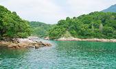 Niebieska laguna w angra dos reis. rio de janeiro — Zdjęcie stockowe