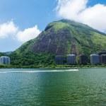 View of Lagoa Rodrigo de Freitas in Rio de Janeiro — Stock Photo #25940979