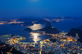 Night view of mountain Sugar Loaf and Botafogo in Rio de Janeiro — Stock Photo
