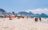 Copacabana beach and mountain Sugar Loaf in Rio de Janeiro — Stock Photo