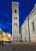 Night view of Giotto s Campanile in Florence — Stockfoto