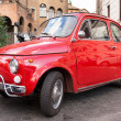 Fiat 500 parked in Rome — Stock Photo