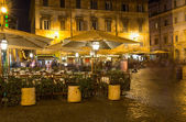 ローマのトラステヴェレ地区のサンタマリア広場 — ストック写真