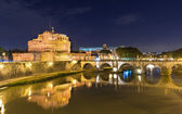 Night view of Castel Sant Angelo in Roma — Stock Photo