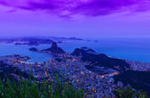 Night view of mountain Sugar Loaf and Botafogo in Rio de Janeiro — Stock Photo