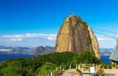 The mountain Sugar Loaf and Guanabara bay in Rio de Janeiro — Stock Photo
