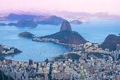 Sunset view of mountain Sugar Loaf and Botafogo. Rio de Janeiro — Stock Photo