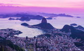 Sunset view of mountain Sugar Loaf and Botafogo. Rio de Janeiro — Stock Photo
