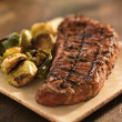 Grilled steak with brussel sprouts — Stock Photo