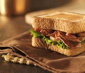 BLT bacon lettuce tomato sandwich — Stock Photo